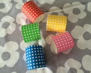 簡単 手作り おもちゃ ラップの芯 段ボールビーズ